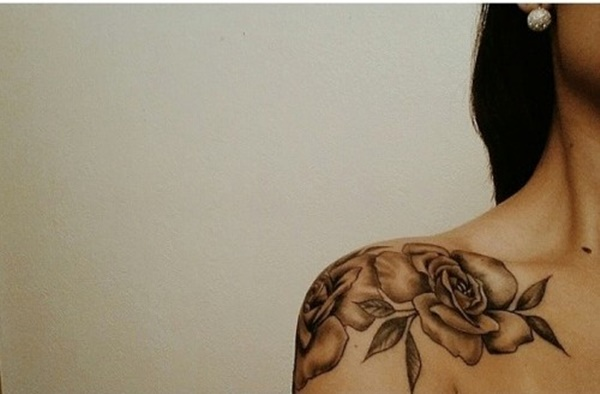 Cool shoulder blade tattoos for girls