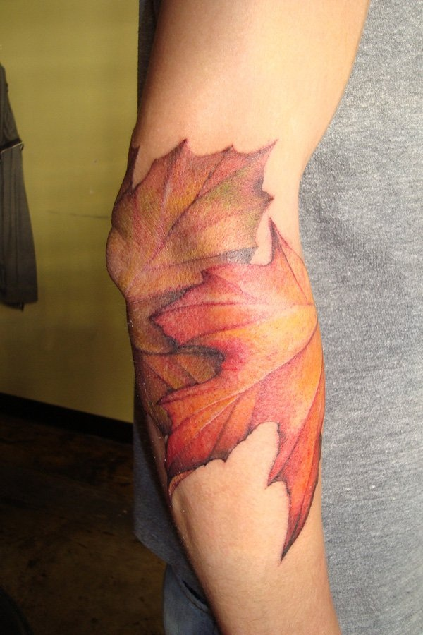 Unforgettable Leaf tattoo Designs (3)