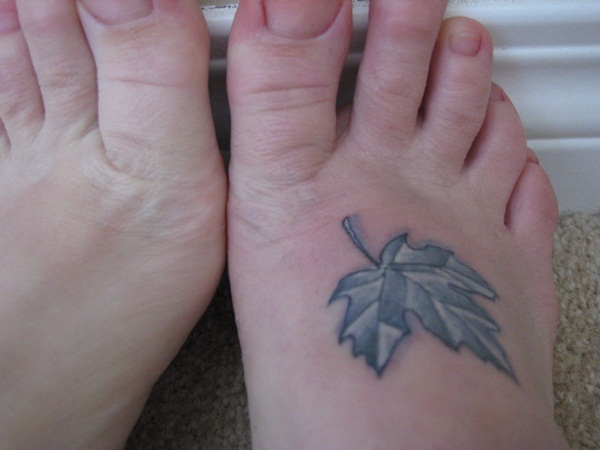 Unforgettable Leaf tattoo Designs (65)