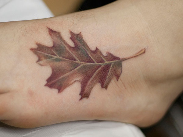 Unforgettable Leaf tattoo Designs (70)